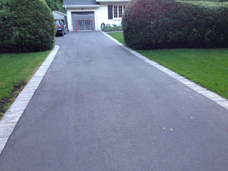 candfield asphalt drive with paving stone borders 2016 2 06